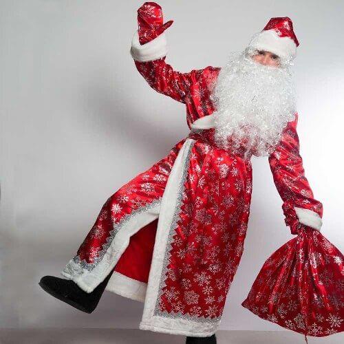 Дед Мороз танцует.